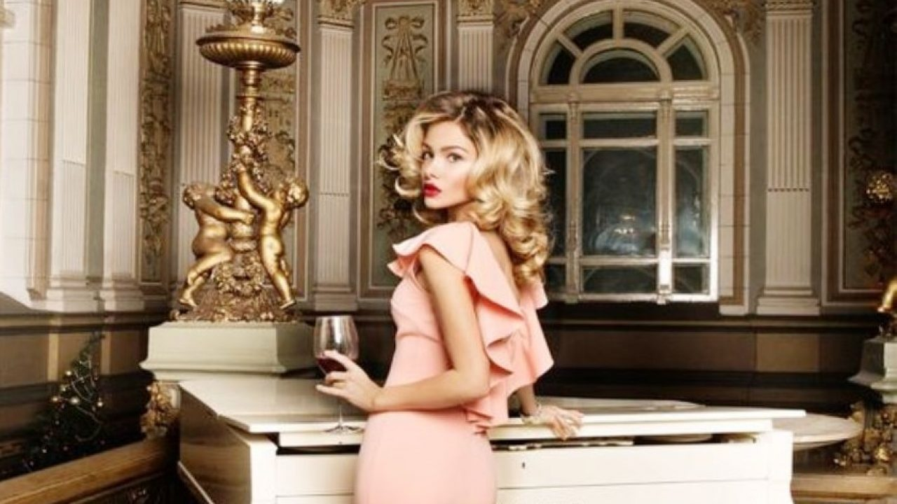 Intalnirea cu o femeie milionar Dating Site 60.