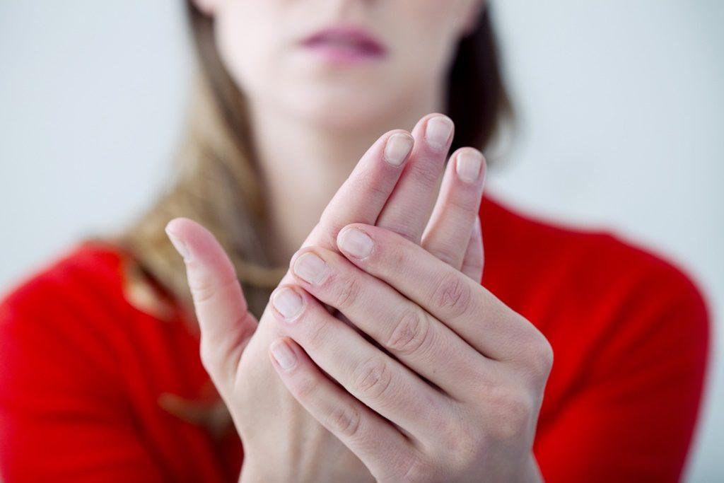 durerile articulare amorțesc mâinile ce să facă