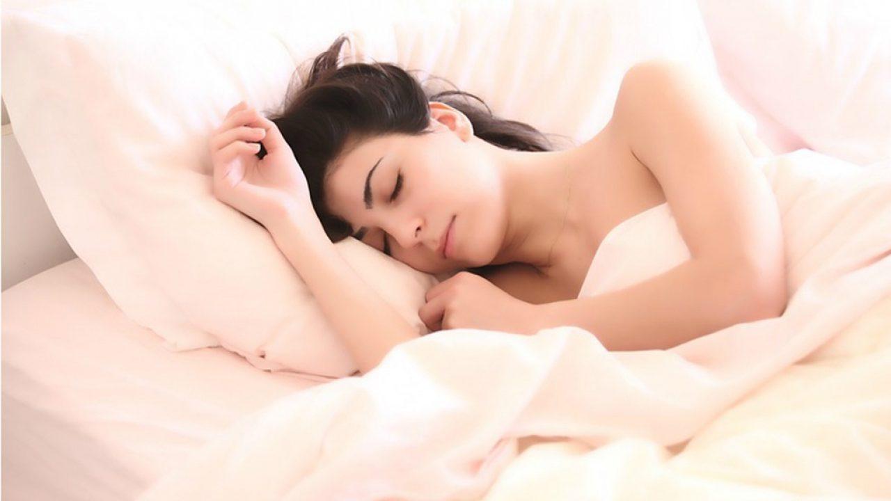 Care este cea mai bună poziție de a dormi?